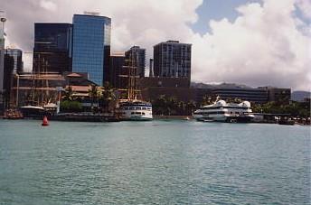 ハワイの風景 (1) 真珠湾クルーズ_c0011649_0582060.jpg