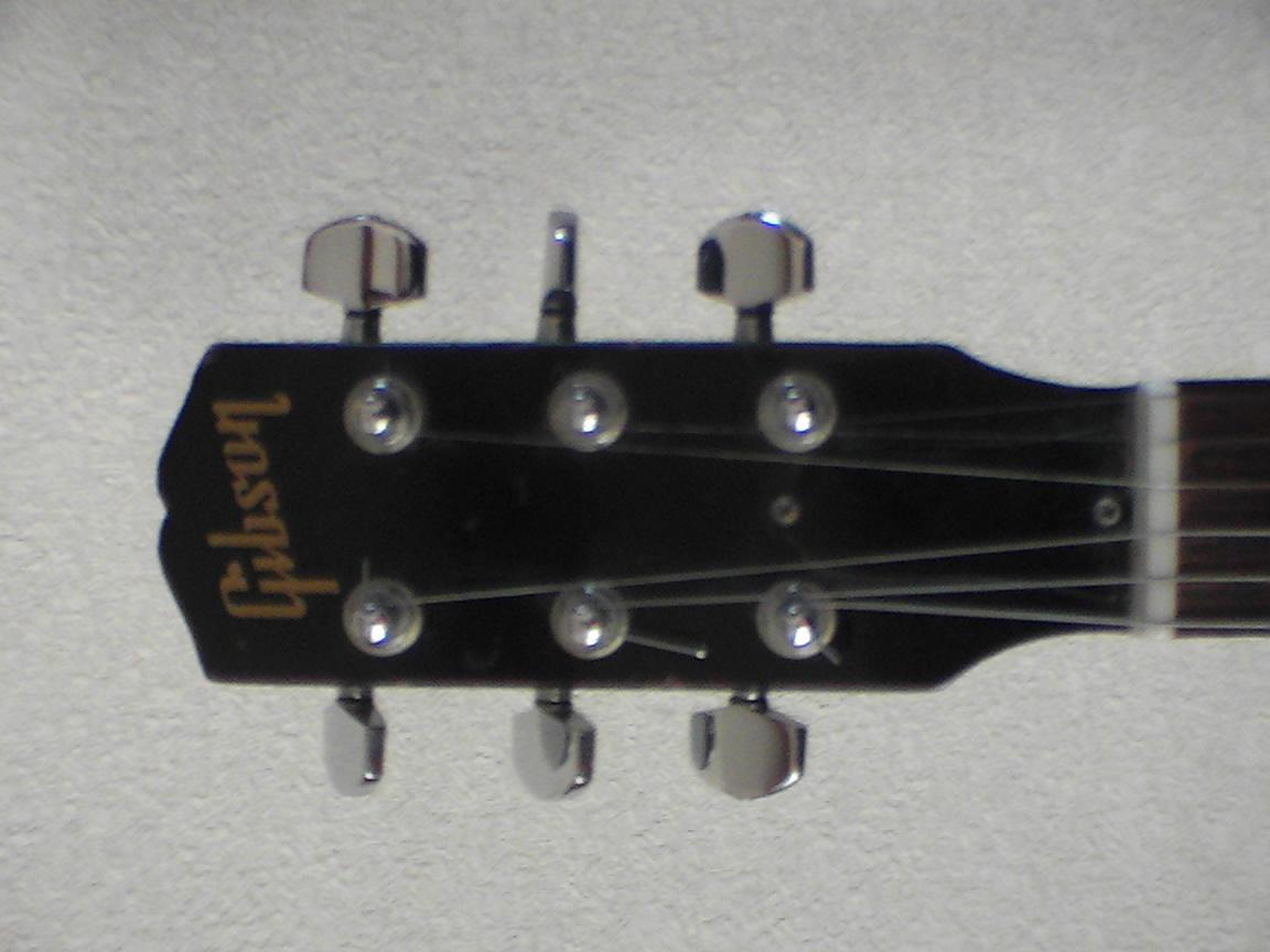 Gibson Melody Maker 1964_f0002755_2221388.jpg