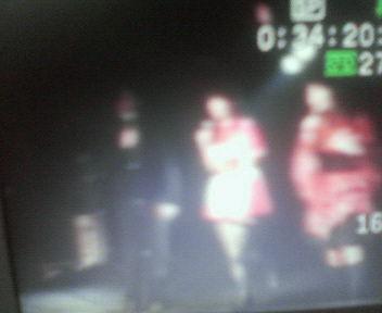 先日のライブビデオをチェック_e0114246_17334666.jpg
