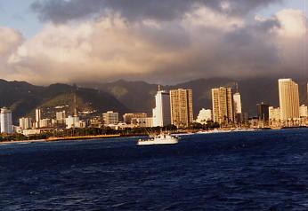 ハワイの風景 (2) 真珠湾サンセットクルーズ_c0011649_5541173.jpg
