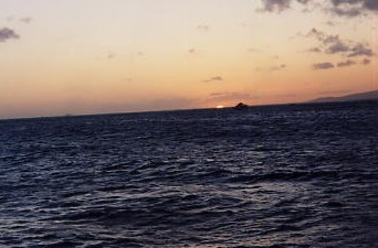 ハワイの風景 (2) 真珠湾サンセットクルーズ_c0011649_692530.jpg