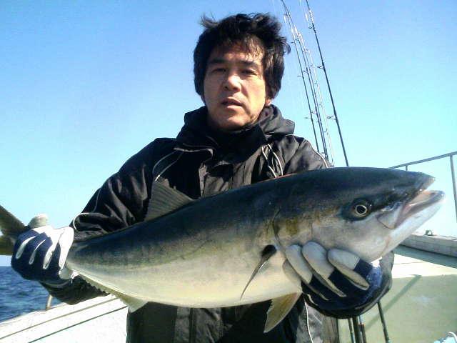 12日の釣果(ワラサ3本)横浜フィッシングショー行ってきました!_e0102422_19363533.jpg