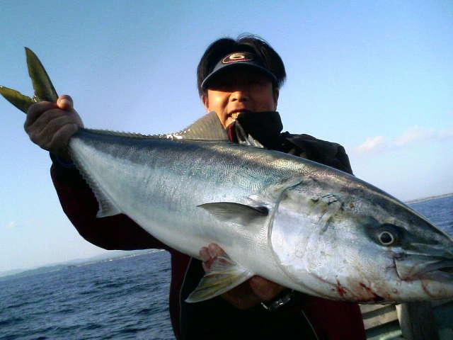 12日の釣果(ワラサ3本)横浜フィッシングショー行ってきました!_e0102422_19363542.jpg