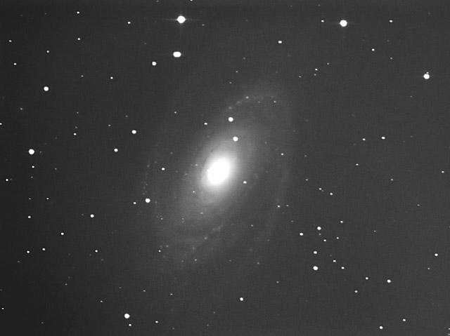 M81 またもや雲雲君襲来_c0061727_0471133.jpg