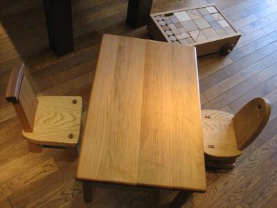 木の子ども椅子_b0100229_1314536.jpg
