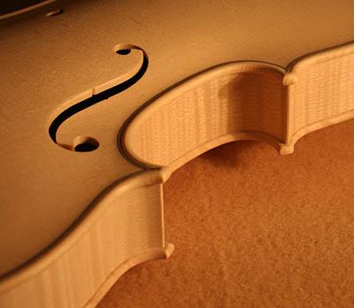 ホワイトバイオリン完成_d0047461_4541725.jpg