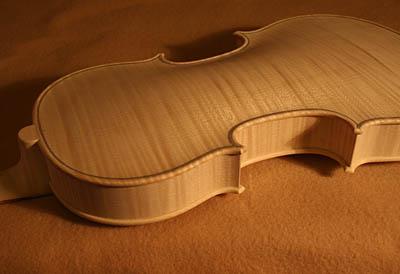 ホワイトバイオリン完成_d0047461_4543992.jpg