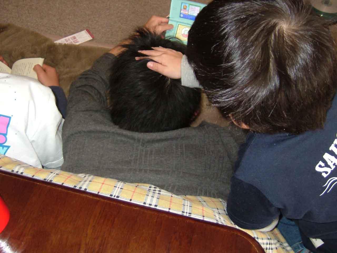 タカ&トシ づいてきた三男 _c0110051_176264.jpg
