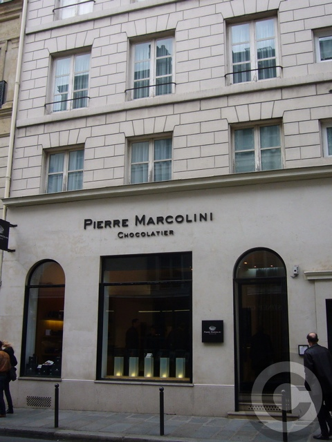 ■街角のチョコレートPierre Marcolini(パリ)_a0014299_6455991.jpg
