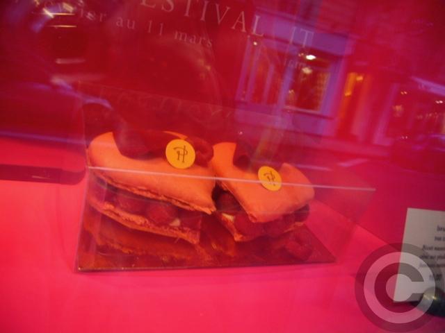 ■街角のチョコレート&スイーツ(PARIS)_a0014299_6483133.jpg