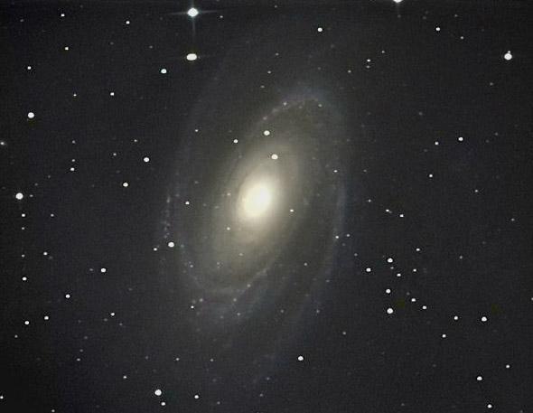 M81 カラー化_c0061727_10362738.jpg