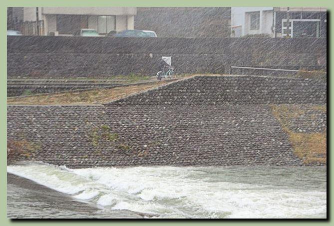 犀川神社前_f0079990_1124132.jpg