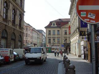 もう一つのプラハ3 ハヴェル市場_a0079995_7134431.jpg