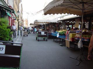 もう一つのプラハ3 ハヴェル市場_a0079995_7141135.jpg