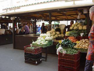 もう一つのプラハ3 ハヴェル市場_a0079995_7145232.jpg