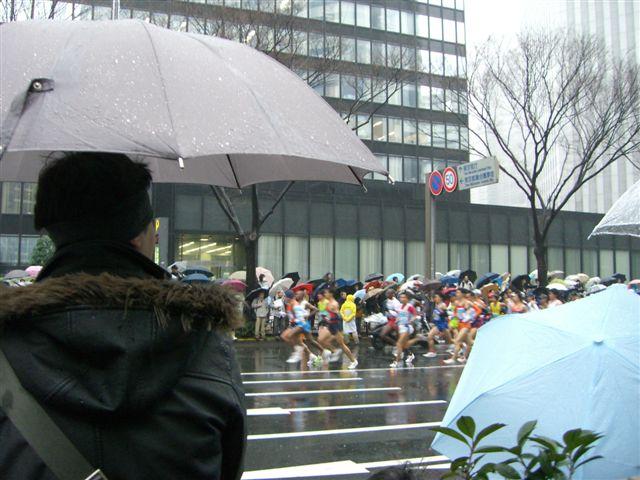 東京マラソンの沿道で_a0057402_11535921.jpg