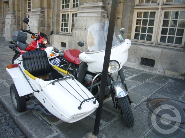■街角の車(PARIS)_a0008105_1912527.jpg