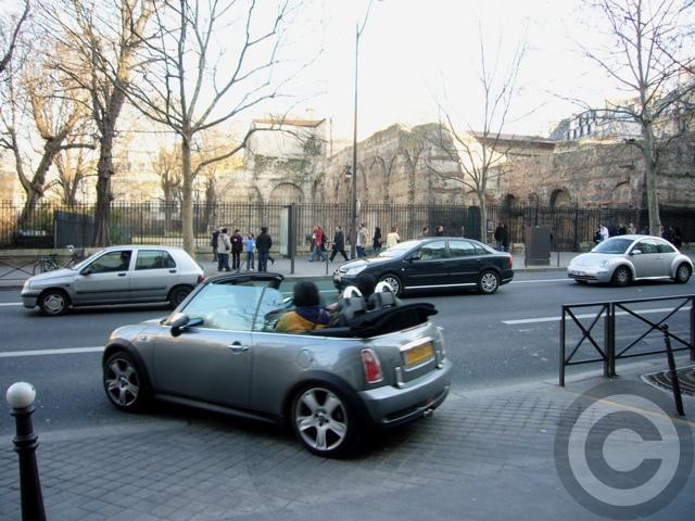 ■街角の車(PARIS)_a0008105_1915916.jpg