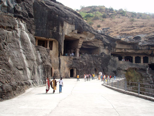 インド3 エローラ石窟群_e0048413_2181075.jpg