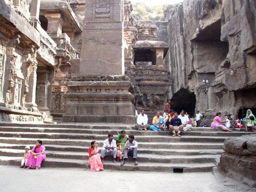 インド3 エローラ石窟群_e0048413_2183247.jpg