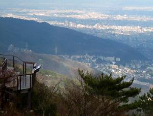 摩耶山頂の公園に作られている展望スペース。掬星台と呼ばれるもの。ここからの夜景は本当に素晴らしいものだと思います。