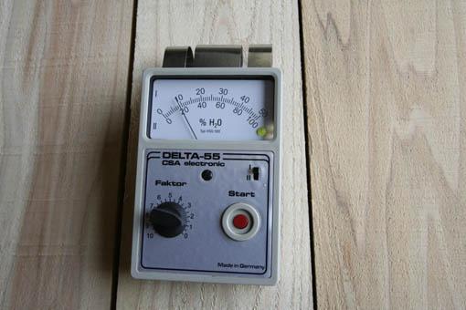秋田スギ割角柱のヤング係数測定 2_e0054299_9462267.jpg