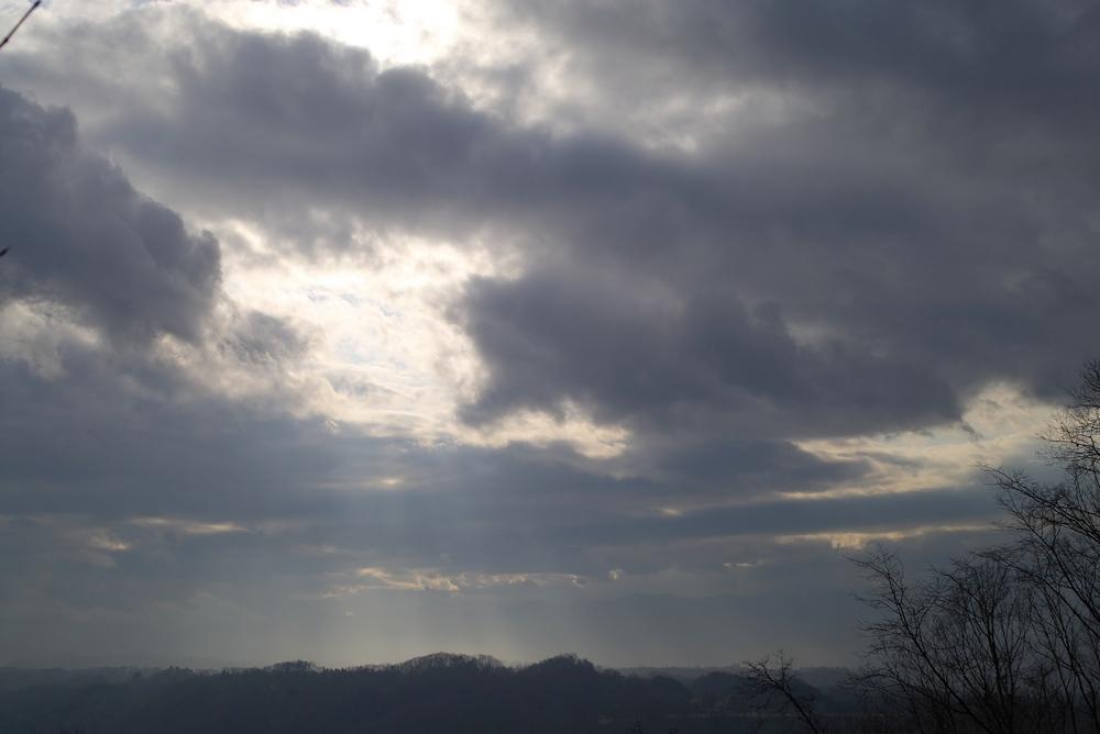 2/18 雨のち晴れ 空3題_a0060230_22533354.jpg