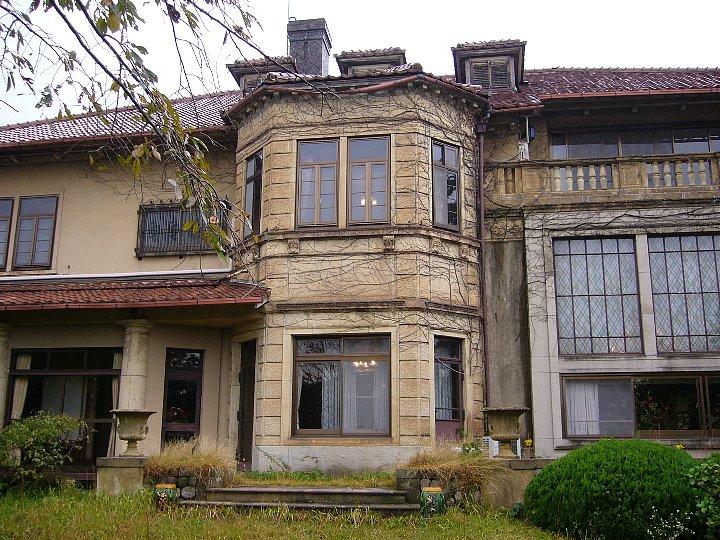 神戸御影の旧乾邸 : レトロな建...
