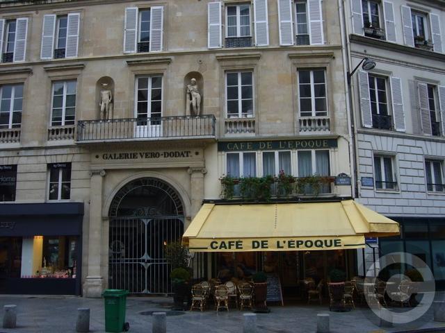 ■街角の建物(PARIS)_a0008105_3553291.jpg