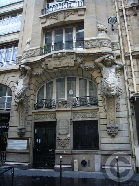 ■街角の建物(PARIS)_a0008105_3554918.jpg