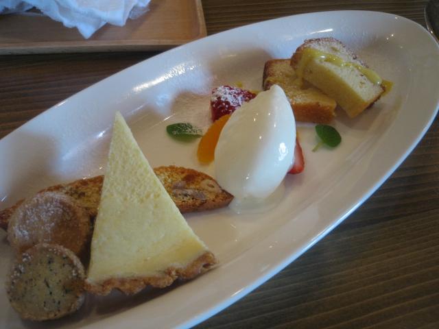 桜海老を使った魚料理_b0077531_2351161.jpg