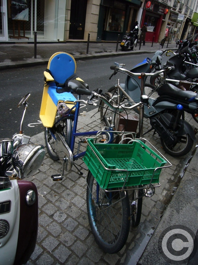 ■街角の自転車(PARIS)_a0008105_15333690.jpg