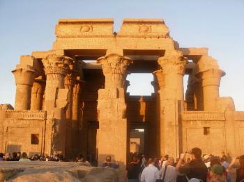 5千年の物語に彩られたエジプト _a0074540_22584955.jpg