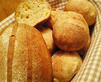 コーンのパンとミルクハースブレッド_f0007061_22492634.jpg