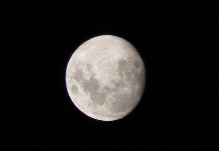 今夜の月_c0106831_2122691.jpg