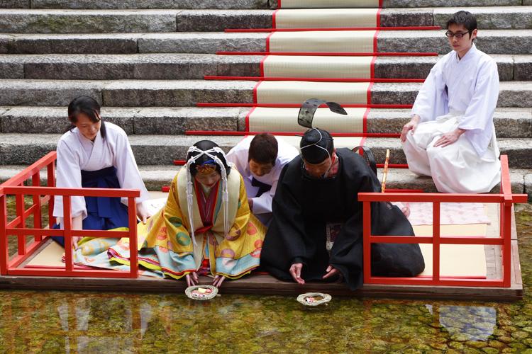 下鴨神社「流しびな」_e0051888_20301088.jpg