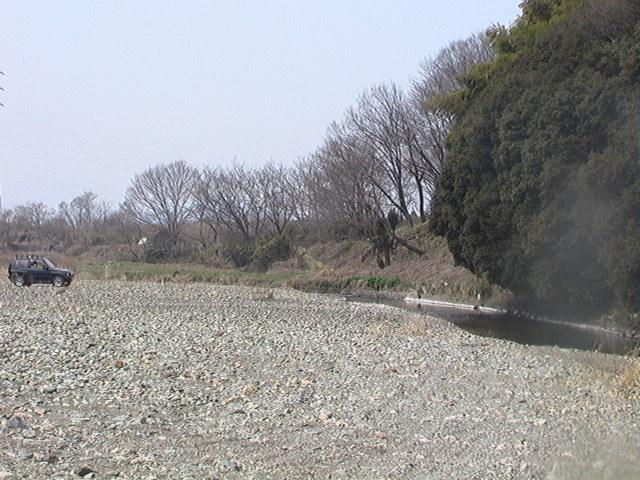都幾川へ_e0094102_1144095.jpg