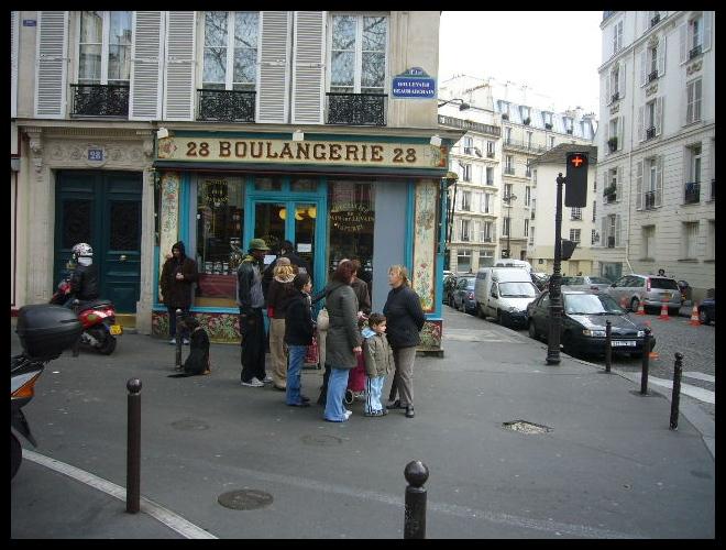 ■日曜日のパン屋(PARIS)_a0014299_21441326.jpg