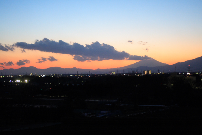 On your right is Mt. Fuji. _e0061613_125427.jpg
