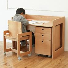 IKEAの雰囲気をまとったニトリ激安学習机シトラス