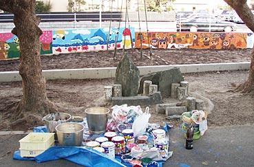 小学校ゲストティーチャー/ブロック塀に絵を描く_f0043592_20255115.jpg