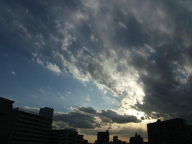 空_e0089232_14273040.jpg
