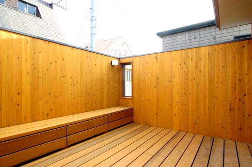 桜見の家 ベランダ_b0015157_08630.jpg