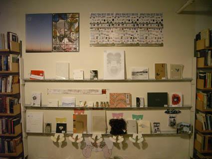 ARTISTS\' BOOK FAIR 中継 02 !!!_c0096440_129096.jpg