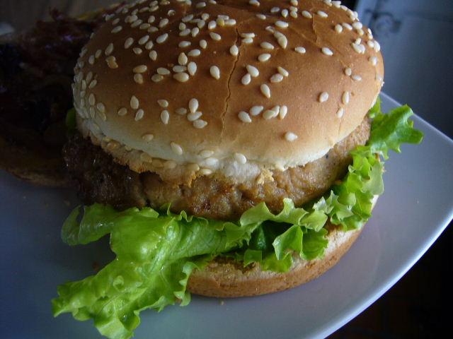 ■自家製ハンバーガー(パリ)_a0014299_23164849.jpg