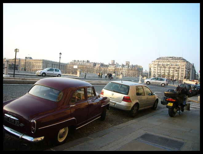 ■街角の車(PARIS)_a0008105_18344945.jpg