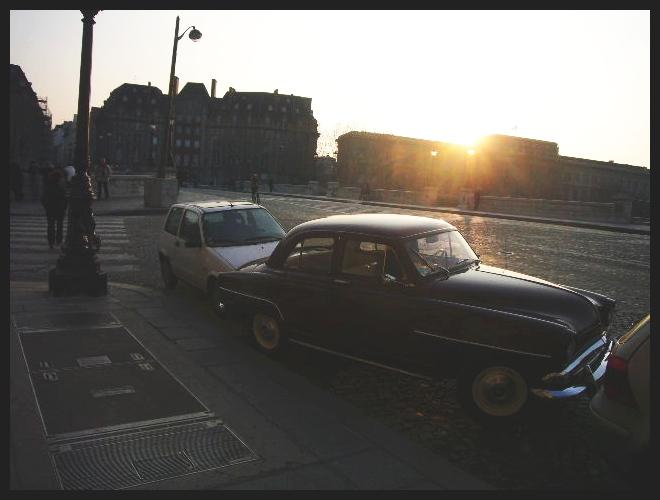 ■街角の車(PARIS)_a0008105_18351195.jpg