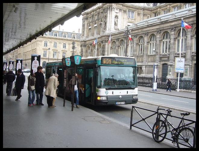 ■市バスとタクシー(PARIS)_a0008105_23301781.jpg