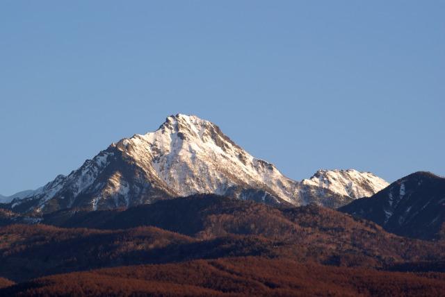 ホテルの屋上より山を眺める_e0063851_1130222.jpg