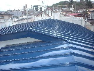 屋根とテラス_f0031037_1723883.jpg